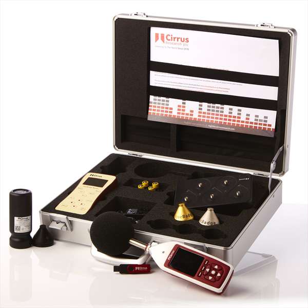 kit sonom�tre et un kit exposim�tre acoustique